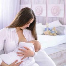 Alăptarea bebelușului trebuie continuată, chiar dacă mama este bolnavă