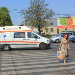 """În fiecare vară, mii de constănţeni sunt efectiv culeşi de pe stradă, de ambulanţe. """"Nu ascultă indicaţiile medicilor"""""""