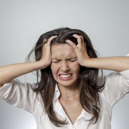 Cum se comportă persoanele cu anxietate şi atacuri de panică