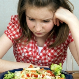 Bulimia afectează dramatic sănătatea.