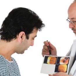 Ce produce cancerul de vezică urinară. Riscurile sunt la tot pasul