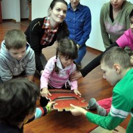 Cum îi stimulezi copilului creativitatea şi abilităţile de comunicare