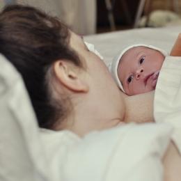 """Naşterea prin cezariană nu mai este o necesitate, ci o comoditate. De ce """"fug"""" femeile de naşterea naturală"""