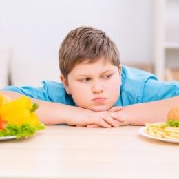 Cinci paşi pentru tratarea obezităţii la copii