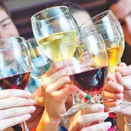 Consumul de alcool, prima cauză a pancreatitei.