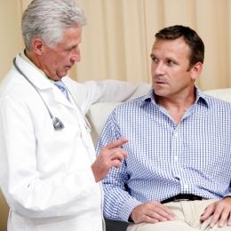 Semnele care îţi arată că ai probleme cu prostata. Când trebuie să meargă bărbaţii la urolog