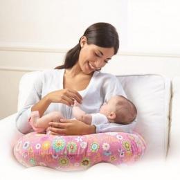 Care este poziţia corectă de alăptare la sân a bebeluşului