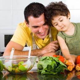Alimente pe care ar fi bine să le evitaţi vara