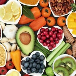 Fructele şi legumele, de preferat a fi consumate pe stomacul gol