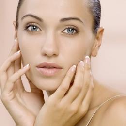 Cerasela Brumă, specialist micropigmentare medicală: La ce trucuri puteți recurge pentru a fi mai frumoase