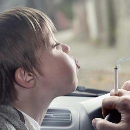 Fumatul pasiv ameninţă sănătatea copiilor