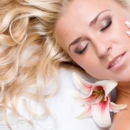 Sfaturi pentru protejarea pielii şi a părului de vânt şi ultraviolete