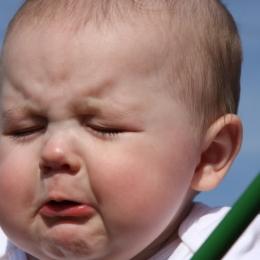 Copilul face febră şi are gura plină de băşici? Herpangina e de vină. De unde apare şi cum se tratează boala