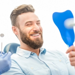 Nu vă mai temeţi de implantul dentar! Intervenţia este nedureroasă
