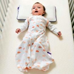 Înfășatul bebelușului nu este absolut necesar