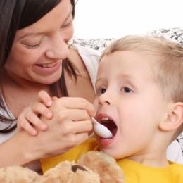 Infecţii respiratorii la copiii mici. Află când trebuie utilizat antibioticul