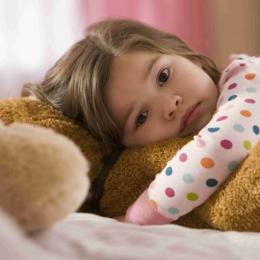 Copilul suferă de insomnie? Cum îl puteți băga la somn