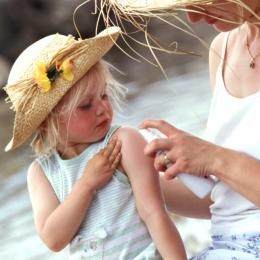Remedii naturiste pentru tratarea înţepăturilor de insecte