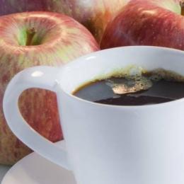 Mere sau cafea? Începeţi dimineţile cu forţe proaspete