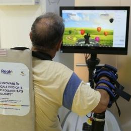 Kinetoterapia robotică de la Neurology Clinic vă ajută în recuperarea după un AVC