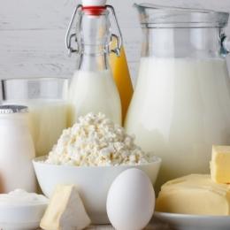Lactatele, sursă preţioasă de nutrienţi necesari dezvoltării corecte a copiilor