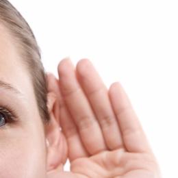 Dopul de cerumen ne poate afecta auzul
