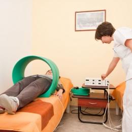 Magnetoterapia, alternativă la acupunctură. La ce folosește terapia