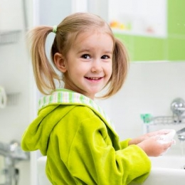 Spălați copiii pe mâini! Evitaţi bolile, printr-un simplu obicei