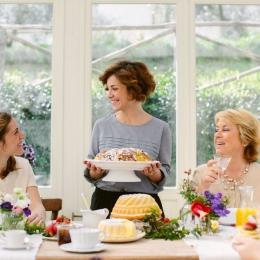 Mâncați cumpătat de Paște! Excesele culinare duc la disconfort digestiv
