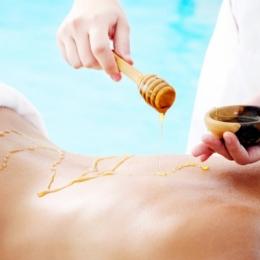 Beneficiile terapeutice şi estetice ale masajului cu miere