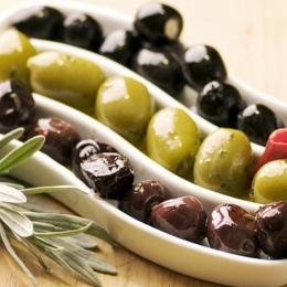 Măslinele scad tensiunea arterială şi nivelul colesterolului rău