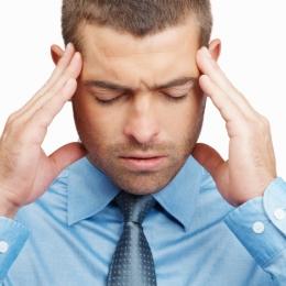 Medicamentele şi stresul, cauze ale durerilor de cap