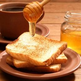 Ce beneficii are mierea în creşterea sănătoasă a copiilor