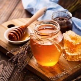 Mierea, substanța minune cu numeroase beneficii terapeutice