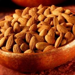 Migdalele, sursă bogată de nutrienți