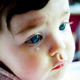 Ce facem când micuţul are canalele lacrimale înfundate?