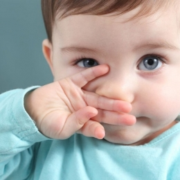 De ce li se înfundă nasul celor mici