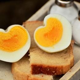 Cât de sănătoase sunt ouăle în alimentaţie