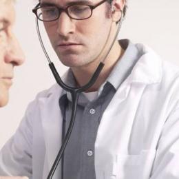 Pacienţi cu inima pe dreapta. Care sunt riscurile pentru sănătate