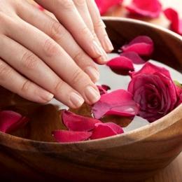 Tratamentul cu parafină este ideal pentru a avea mâini catifelate