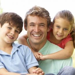 Atenţie cum vă creşteţi copiii! Părinţii au rolul de a oferi siguranţă, protecţie şi susţinere