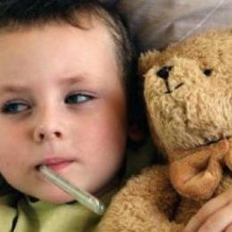 Copilul tuşeşte? Nu-l îndopaţi cu pastile!