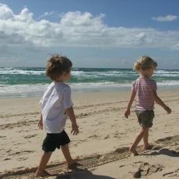Cât de mult ne poate afecta nisipul în ochi