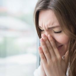 Rinita alergică debutează cu obstrucţia nazală
