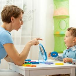 Cum facem diferenţa între tulburare de limbaj şi retard mintal