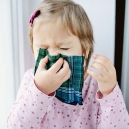 Sinuzita afectează şi copiii mici. Antibioticul este necesar!