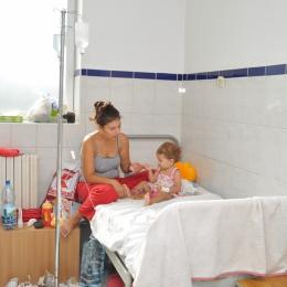 Atenţie la alimentaţia copiilor! Orice greşeală îi poate băga în spital