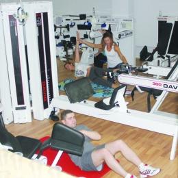 Ai probleme la coloană sau genunchi? Scapi urgent de dureri la Sport Forum!