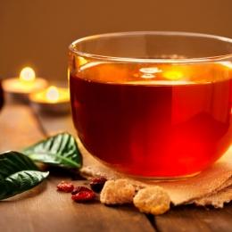 Ceaiul din coji de nuci, eficient în sezonul rece. Iată ce afecţiuni tratează