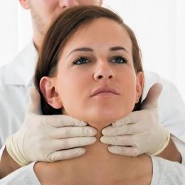 Probleme cu tiroida? Mergeți din timp la medicul specialist!